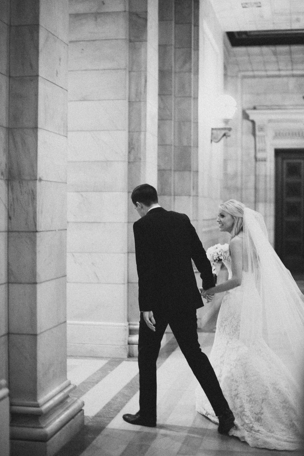 Alana-David-Cleveland-Old-Courthouse-Wedding-127@2x.jpg