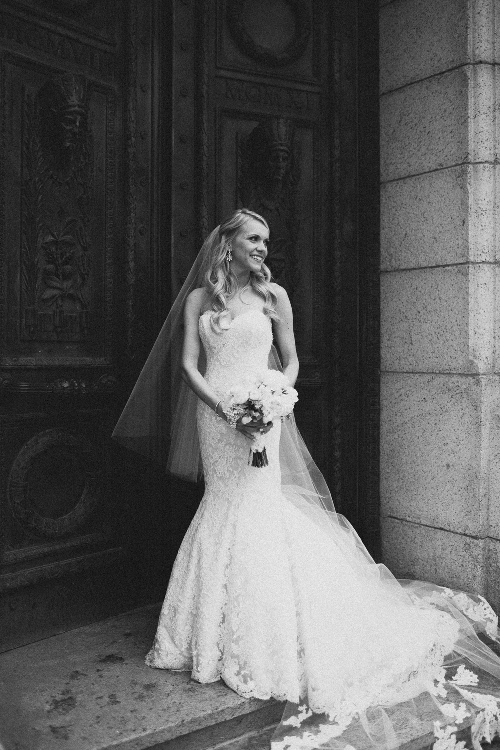 Alana-David-Cleveland-Old-Courthouse-Wedding-134@2x.jpg