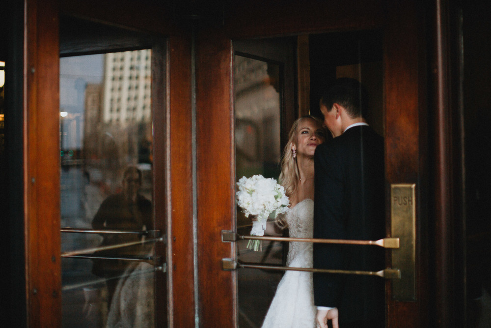 Alana-David-Cleveland-Old-Courthouse-Wedding-143@2x.jpg