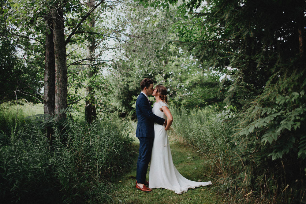Leah-Graham-Michigan-Outdoor-DIY-Wedding-076@2x.jpg