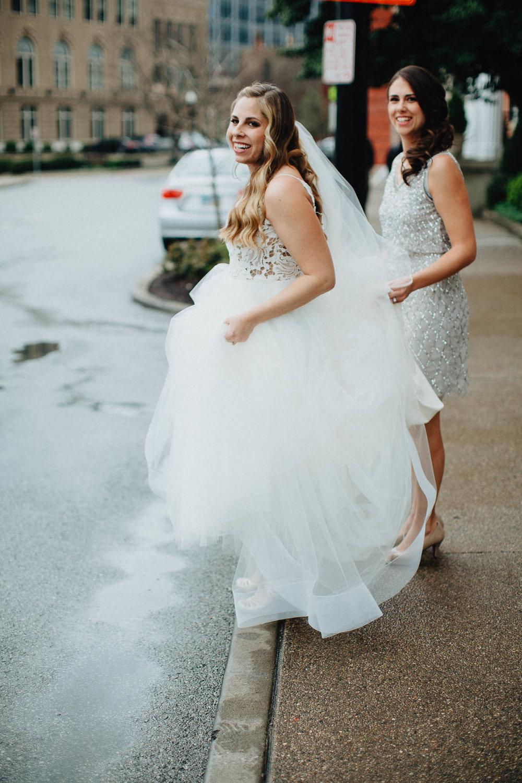 Sara-Tyler-Cincinnati-Wedding-Rhinegeist-Brewery-025.jpg
