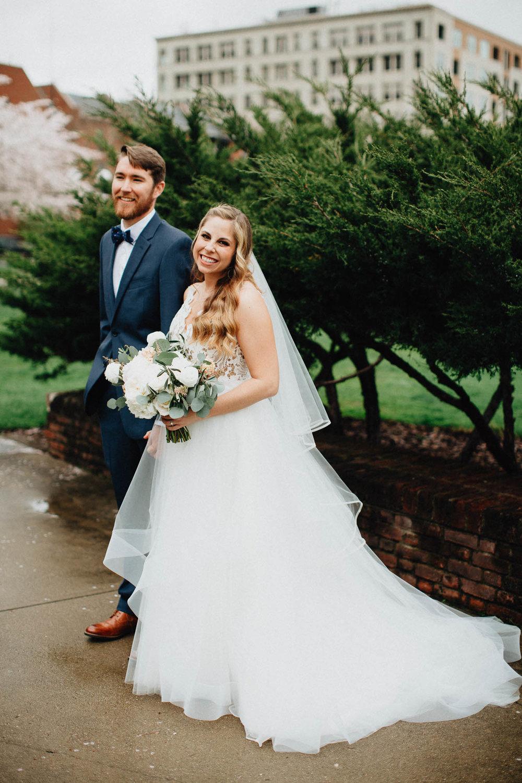 Sara-Tyler-Cincinnati-Wedding-Rhinegeist-Brewery-037.jpg