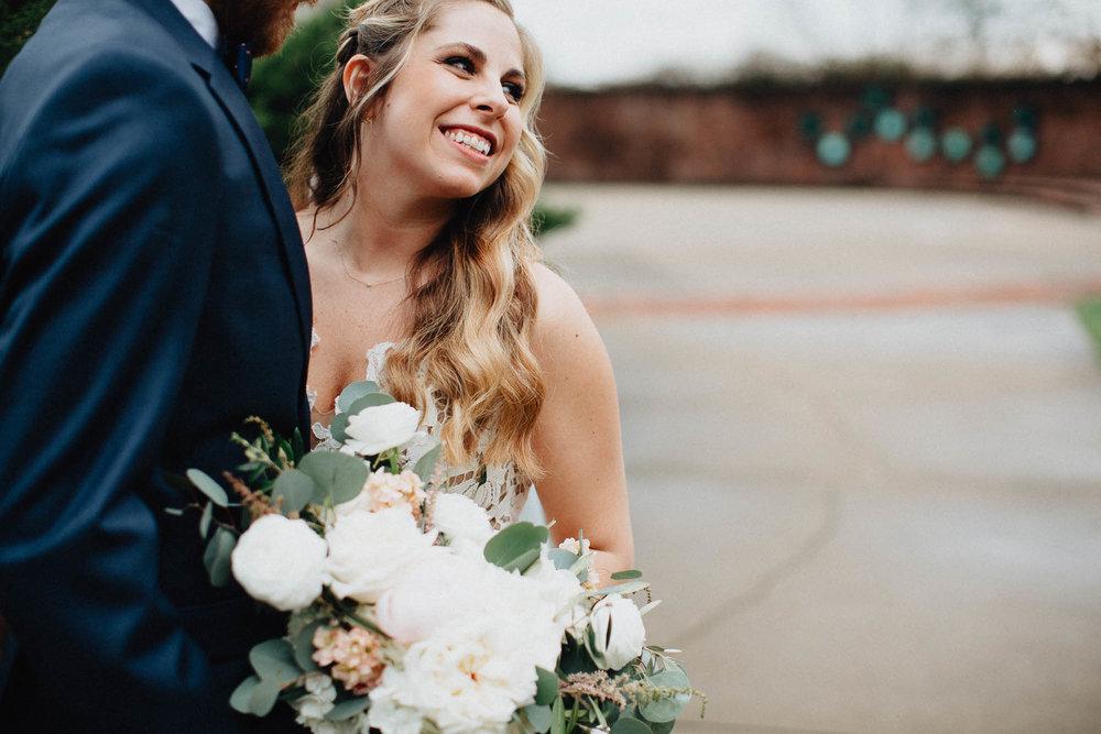 Sara-Tyler-Cincinnati-Wedding-Rhinegeist-Brewery-042.jpg