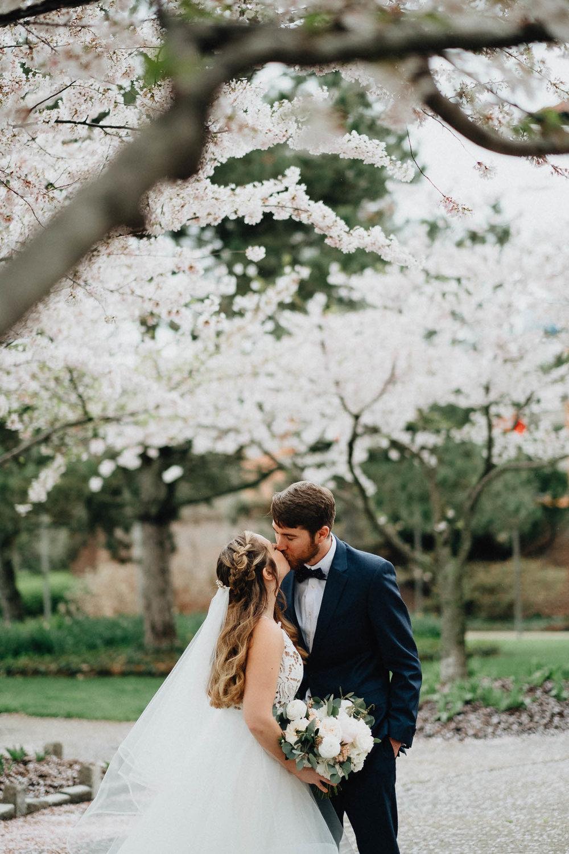 Sara-Tyler-Cincinnati-Wedding-Rhinegeist-Brewery-044.jpg