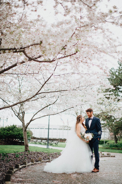Sara-Tyler-Cincinnati-Wedding-Rhinegeist-Brewery-043.jpg