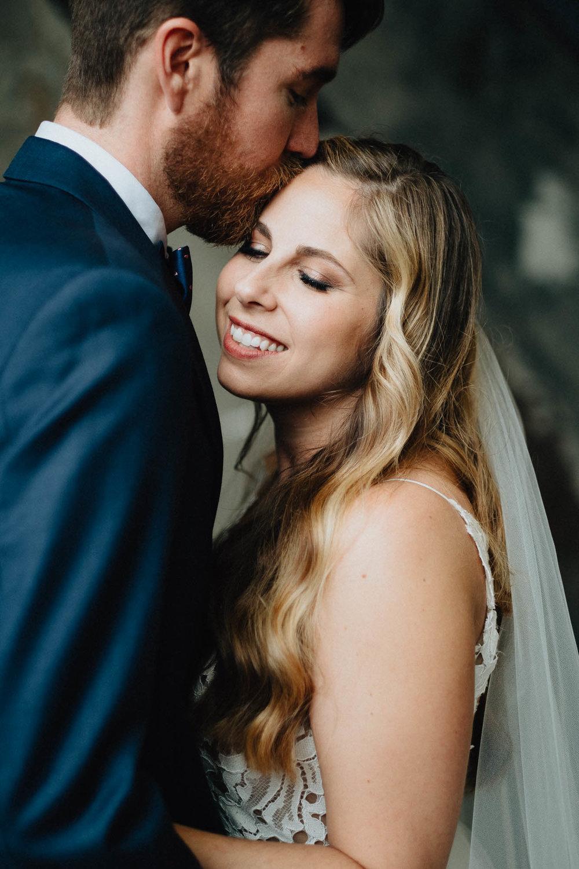 Sara-Tyler-Cincinnati-Wedding-Rhinegeist-Brewery-067.jpg