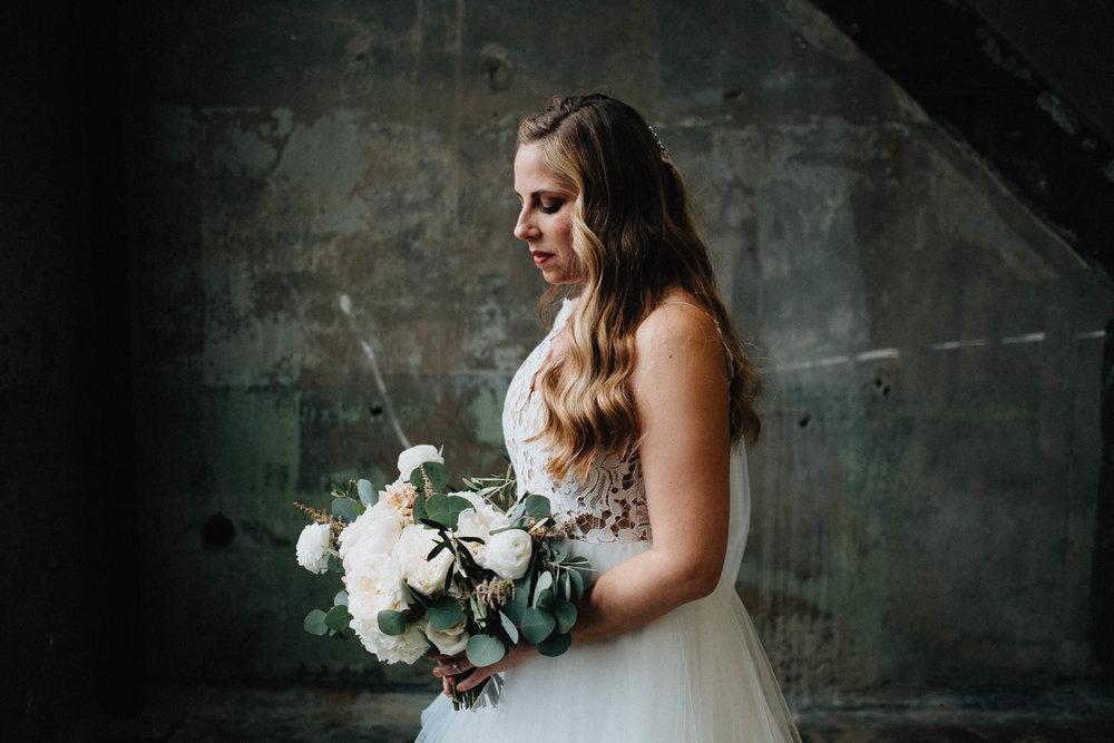 Sara-Tyler-Cincinnati-Wedding-Rhinegeist-Brewery-071.jpg