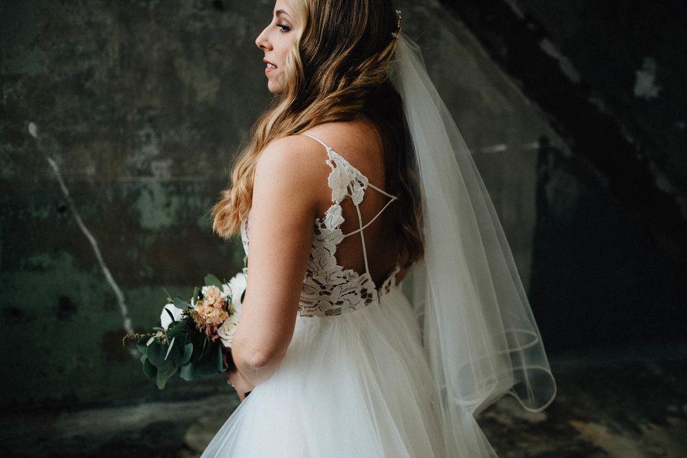 Sara-Tyler-Cincinnati-Wedding-Rhinegeist-Brewery-074.jpg
