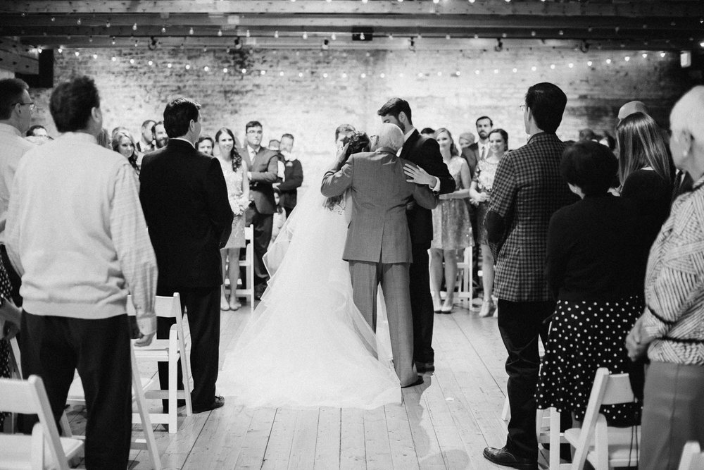 Sara-Tyler-Cincinnati-Wedding-Rhinegeist-Brewery-083.jpg