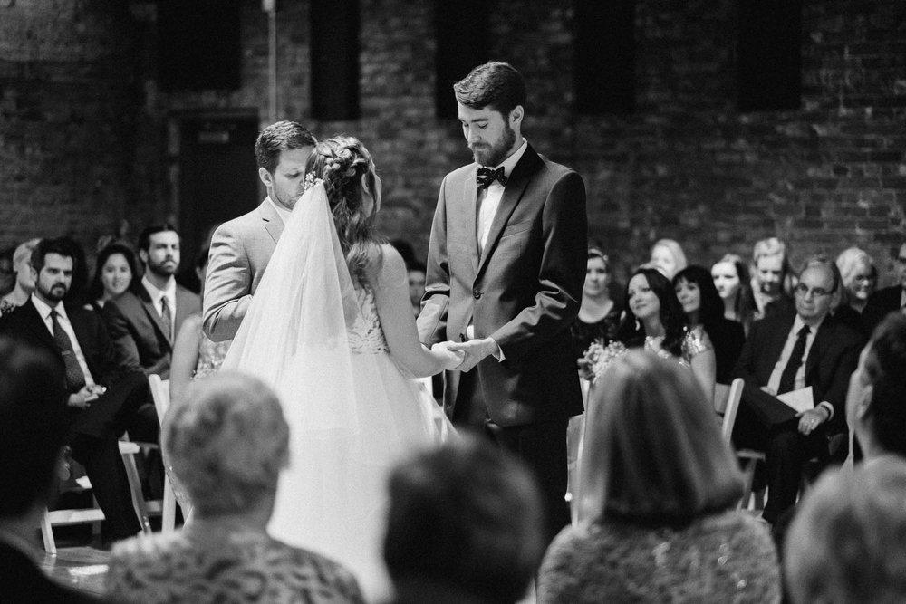 Sara-Tyler-Cincinnati-Wedding-Rhinegeist-Brewery-084.jpg