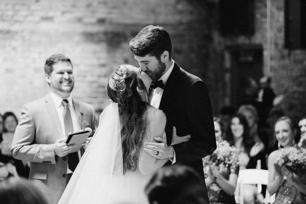 Sara-Tyler-Cincinnati-Wedding-Rhinegeist-Brewery-091.jpg