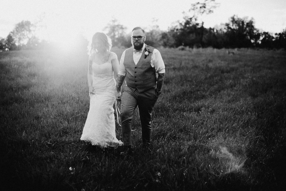 Jessi-Jake-The-Brauns-Ohio-Barn-B&B-Wedding-136@2x.jpg