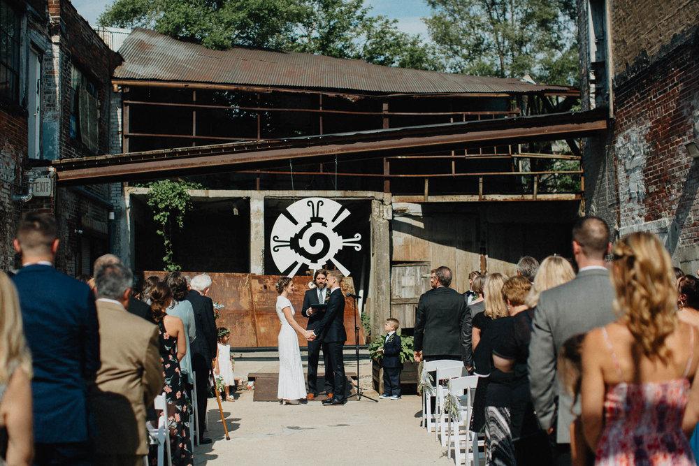 Anna-Brian-Strongwater-Columbus-Ohio-Urban-Modern-Wedding-059.jpg