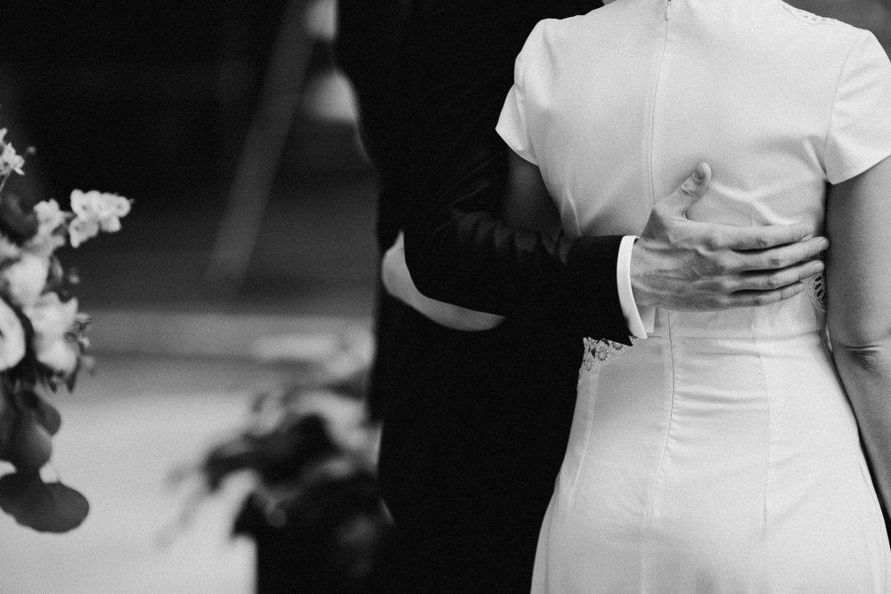 Anna-Brian-Strongwater-Columbus-Ohio-Urban-Modern-Wedding-063.jpg