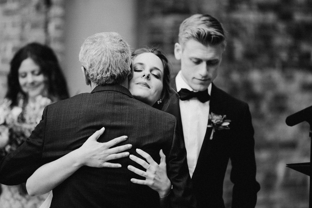Anna-Brian-Strongwater-Columbus-Ohio-Urban-Modern-Wedding-067.jpg