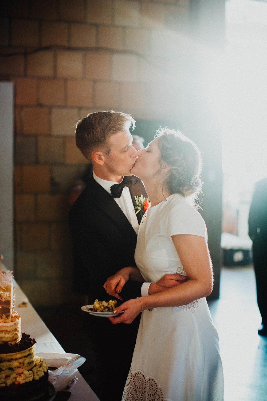 Anna-Brian-Strongwater-Columbus-Ohio-Urban-Modern-Wedding-142.jpg