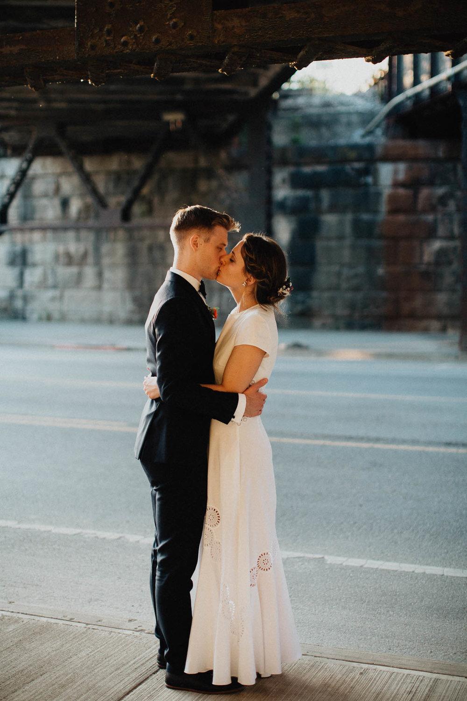 Anna-Brian-Strongwater-Columbus-Ohio-Urban-Modern-Wedding-146.jpg