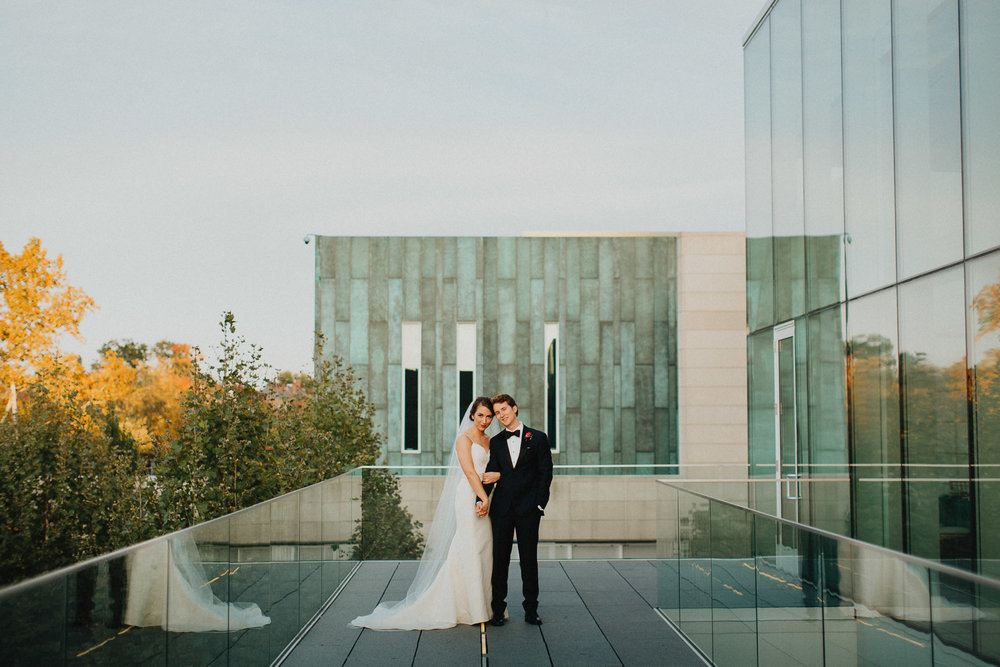 Romantic Natural Columbus Museum of Art Wedding
