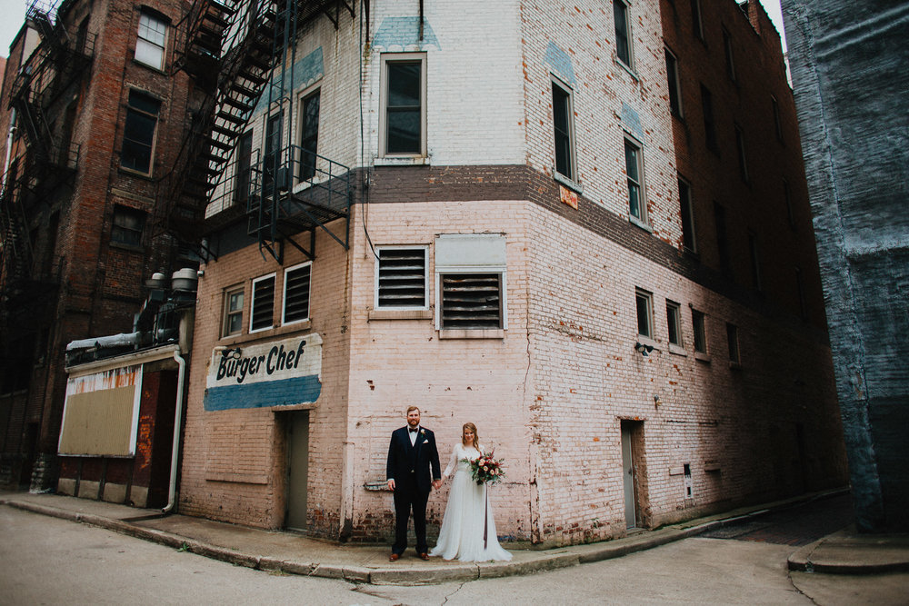 Downtown Urban Cincinnati Wedding Photographers