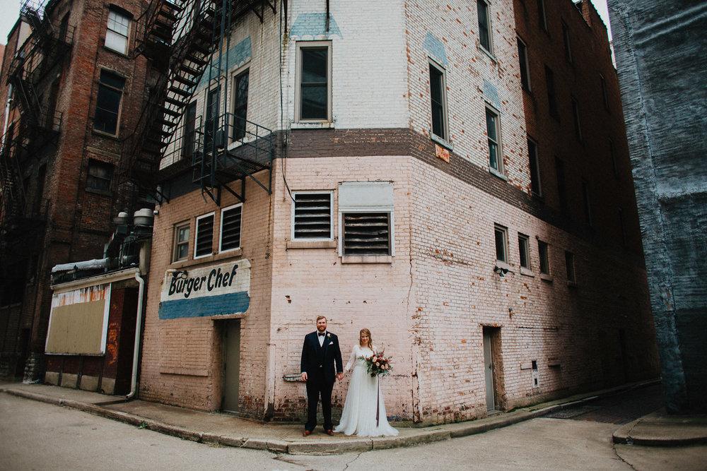 Downtown Urban Cincinnati Wedding Photographers