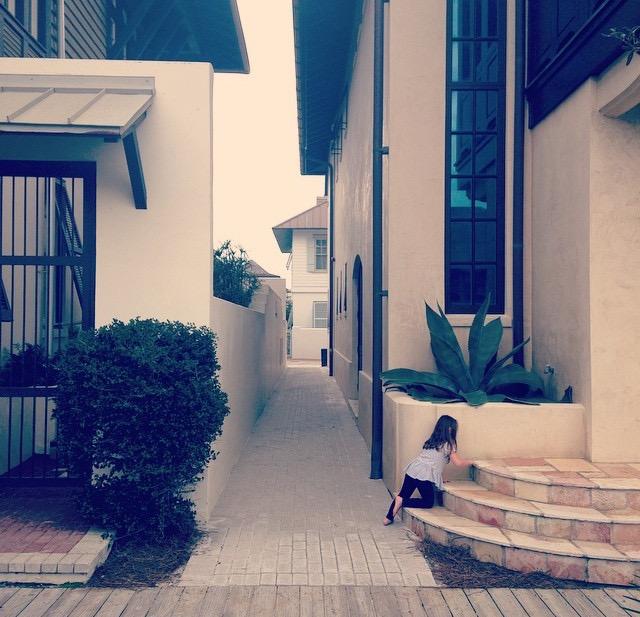 Rosemary_Beach_Child_on_steps.jpg