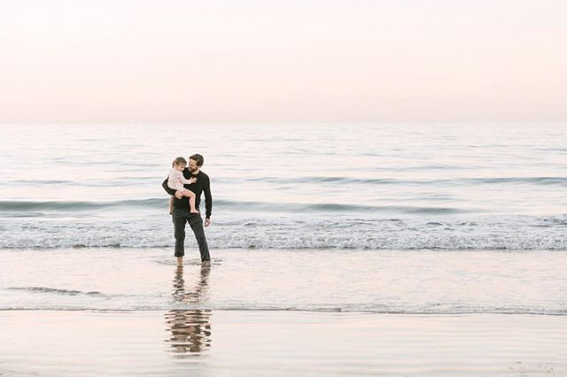 I got to travel to some amazing spots this year, including a few photo sessions in San Diego. This quiet moment is definitely one of my faves from family sessions ✨ . . . . #losangelesphotographer #losangelesweddingphotographer #laphotographer #laweddingphotographer #lifestylephotography #lifestylephotographer #daybreakanddusk #daybreakandduskphoto #wildheart #familyphotography #losangeleslife #losangeles #familyphotos #babyphotos #babyphotographer #weekendadventures #sandiego #sandiegophotographer #babylove #socute #editorialphotography #sandiegophotography #lajolla #familyphotographer #losangelesfamilyphotographer