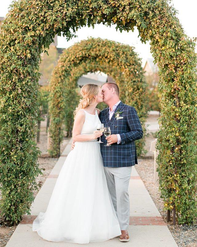 Another fave from 2017! @laurenhanl0n + @tholtry were such a classic, elegant bride + groom 🥂#tohaveandtoholtry // Coordinator: @_laurengonzalez_ //Venue: @ponteweddings @pontewinery // Florals: @societeflowers // DJ: @djpros 🌞 . . . . #daybreakanddusk #daybreakandduskphoto #gooutside #losangelesphotographer #losangelesweddingphotographer #lawedding #laweddingphotographer #laweddingphotography #losangelesweddingphotography #weddingphotographer #weddingdress #realwedding #wildheart #modernbride #weddingphotography #weddingday #weddingplanning #weddings #lovebirds #weddingdress #weddingtime #pontewinery #pontewedding #temecula #temeculawedding #temeculaweddings