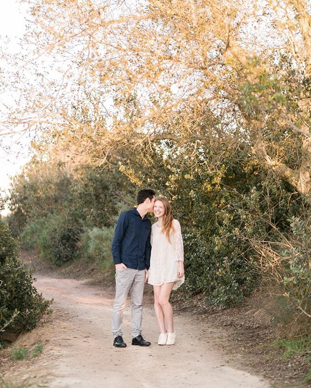 Engagement season is here! I love this time of year because I get to spend some time with my couples for their engagement sessions, get to know them a little better and find out what makes them laugh (and it's usually each other). Cheers to 2018 weddings! 🥂 . . . . #itsthelittlethings #gooutside #weddingphotographer #losangelesweddingphotographer #weddingphotographer #engagementphotos #engagementphotographer #engagementphotography #losangelesphotographer #makeportraits #photographyislifee #daybreakanddusk #daybreakandduskphoto #laphotographer #laweddingphotographer #losangeleslife #losangeleswedding #wildhearts #modernbride #venice #wildheart