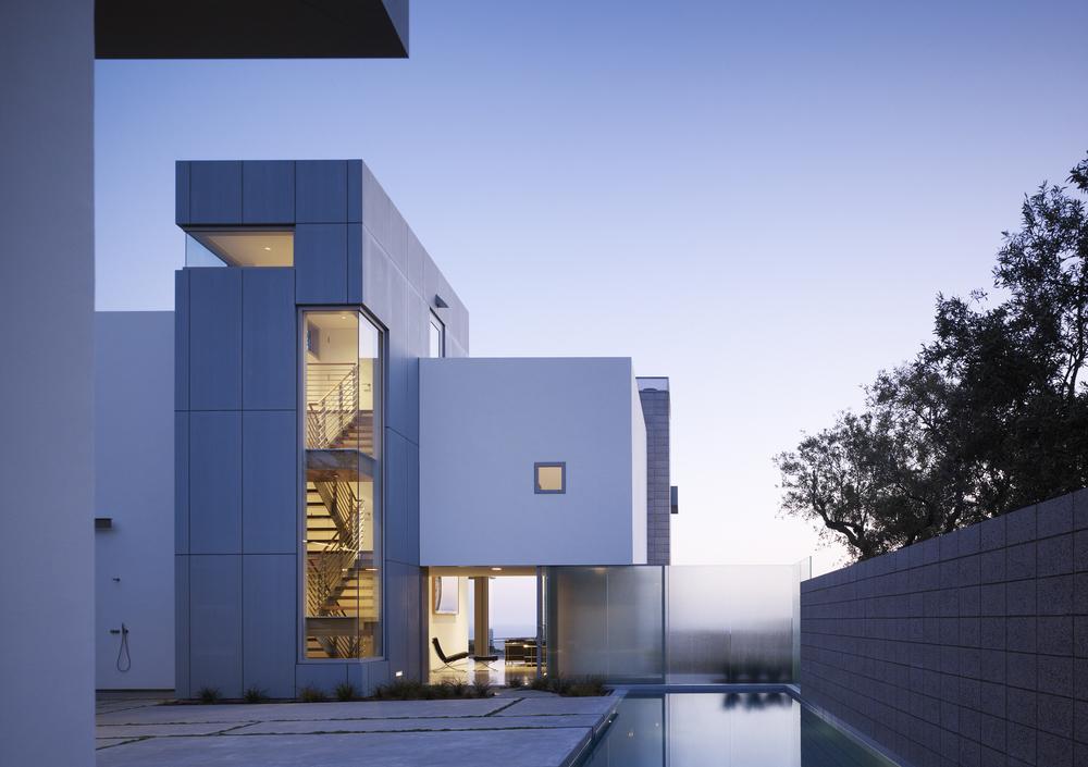 Takashi Yanai Ehrlich modernist home.jpg