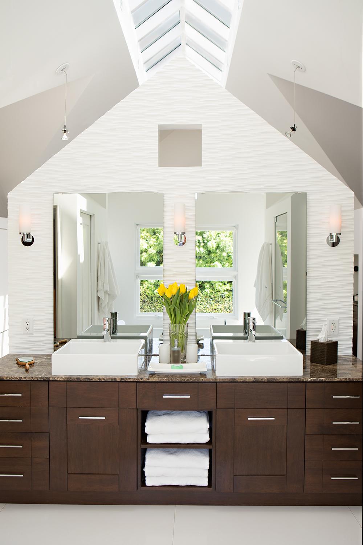 07 - Beverlywood Residence Master Bath.jpg
