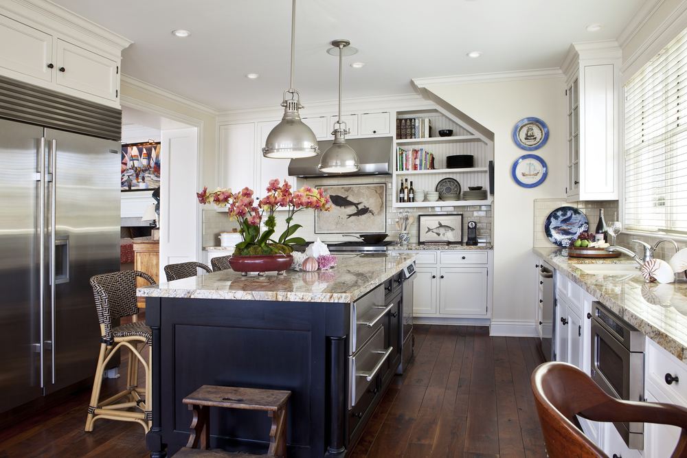 06 Coronado Island Shingle Kitchen.jpg