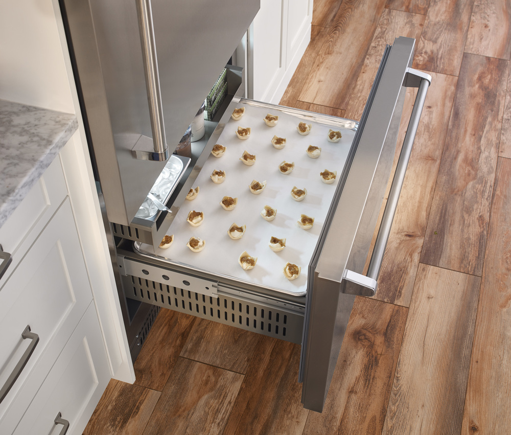 Freezer-Interior-Sheet-Pan_DET.jpg