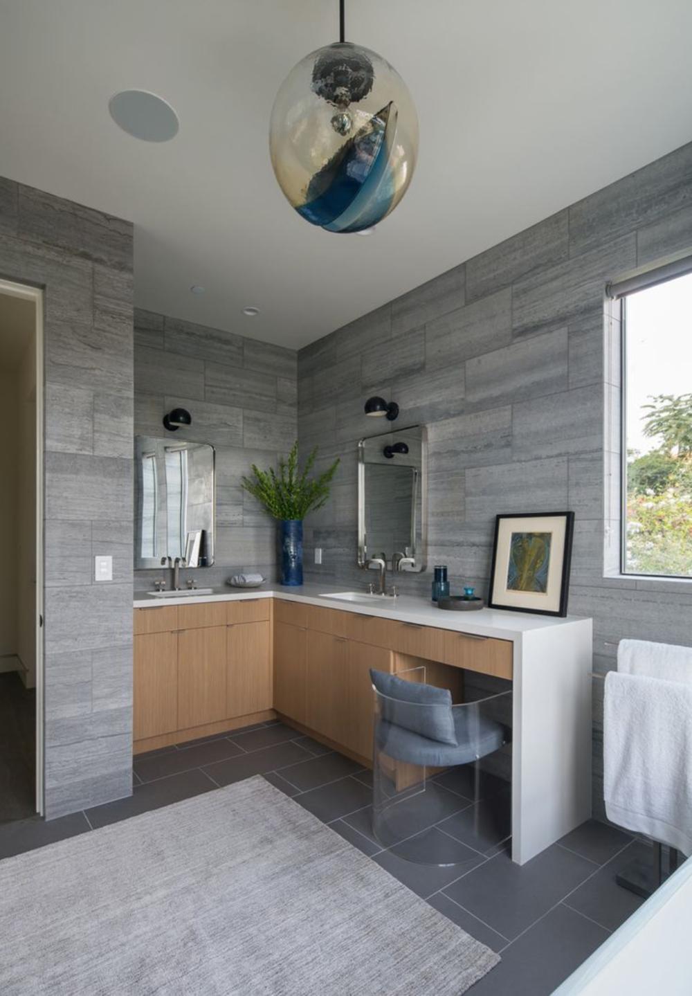 bath vanity.png