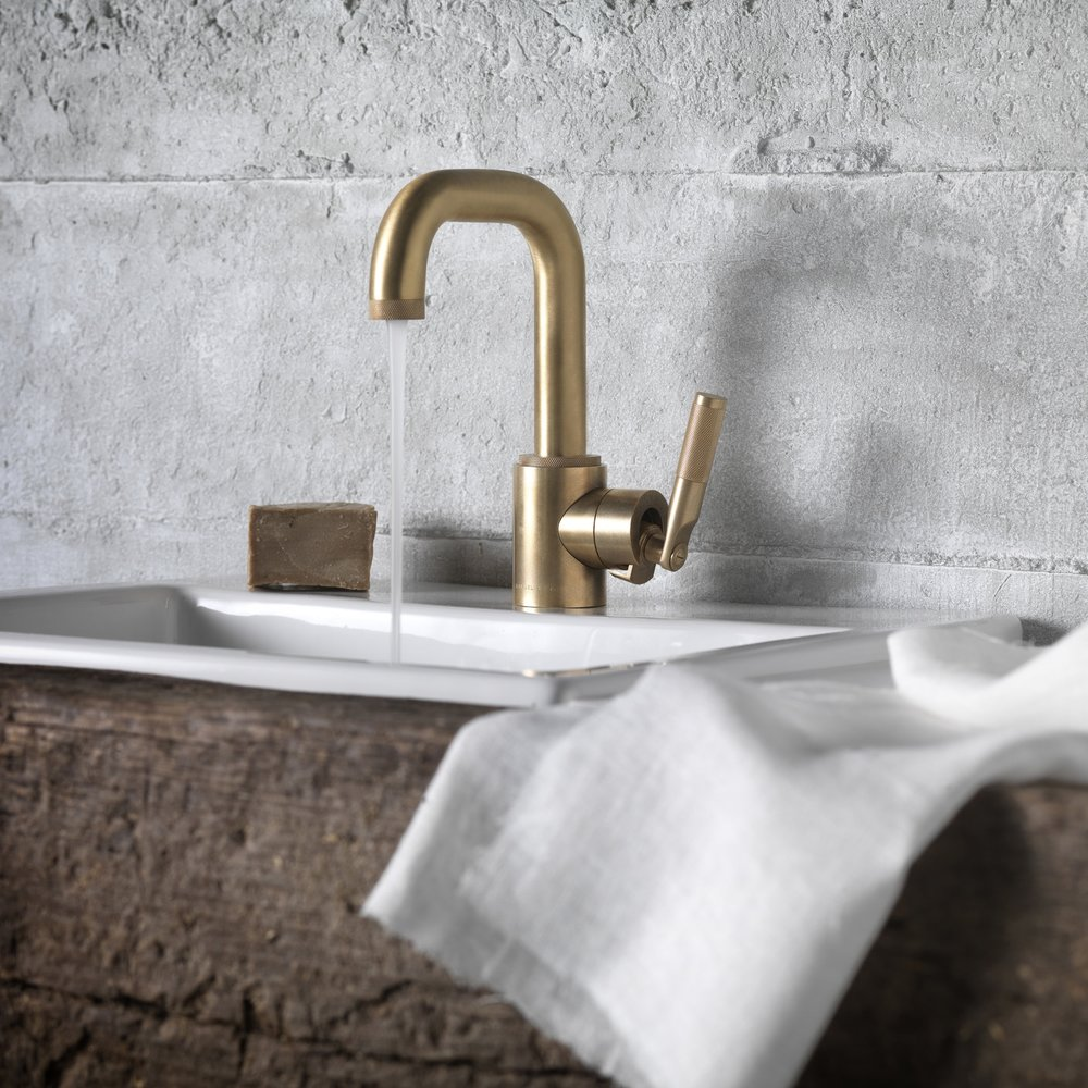 Get Flowing: Our Roundup of the Best New Faucets for Kitchens and ...