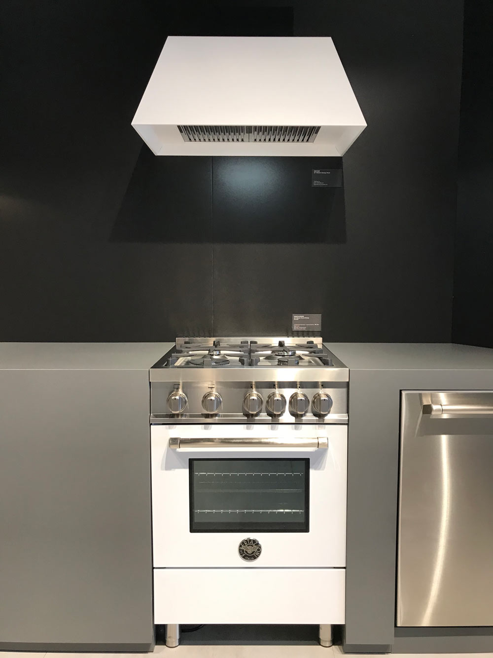 Lil Bert… Italian brand Bertazzoni debuts its new diminutive designs, image  via Design Milk