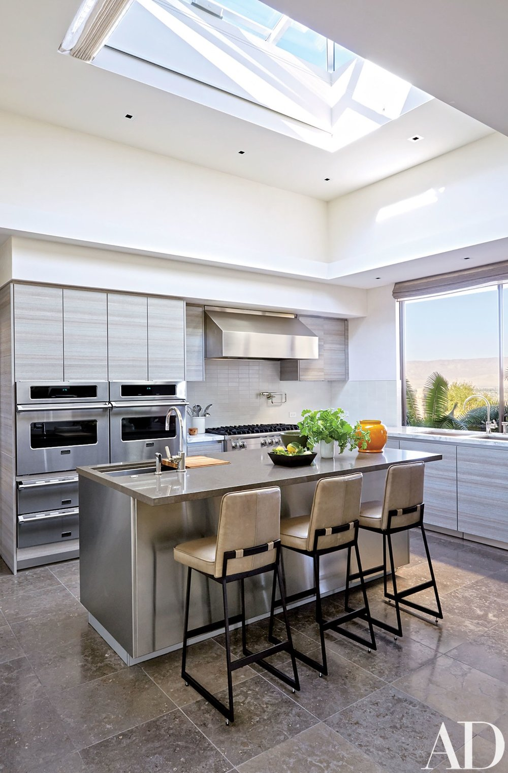 Palm Springs kitchen.jpg