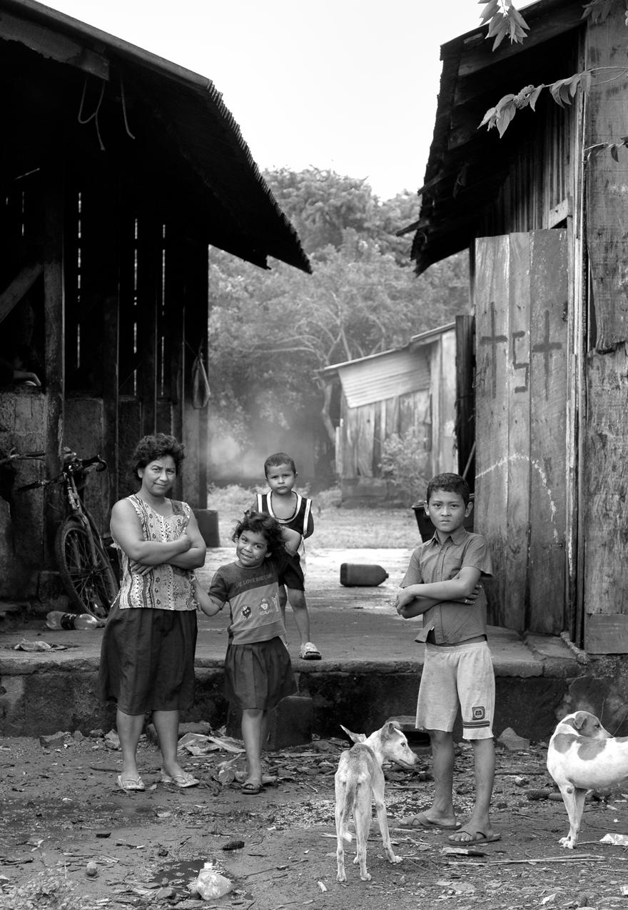 LeslieClementsParrott_Nicaragua2007-83-4website.jpg