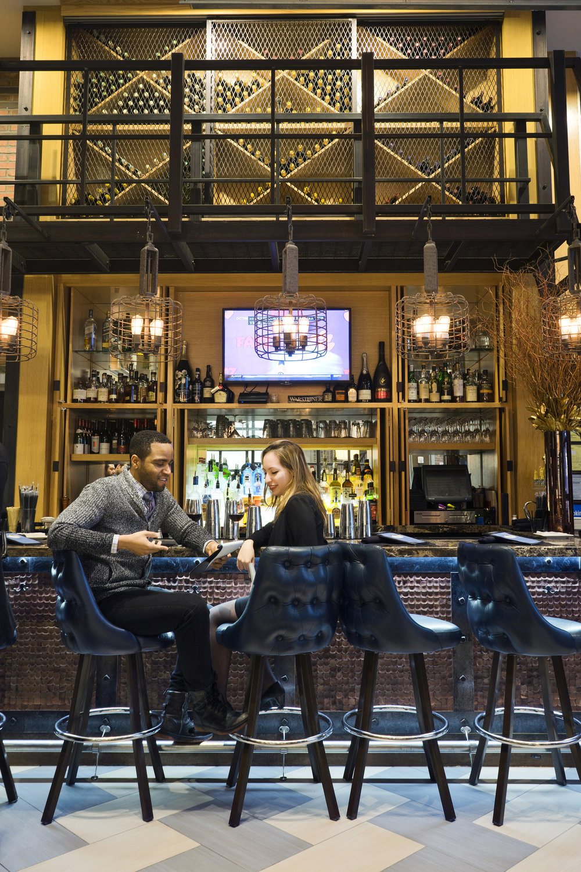Foyer-Bar_New-York-City_Leslie-Parrott-2381-4.jpg