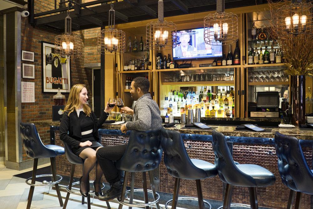 Foyer-Bar_New-York-City_Leslie-Parrott-2408-6.jpg