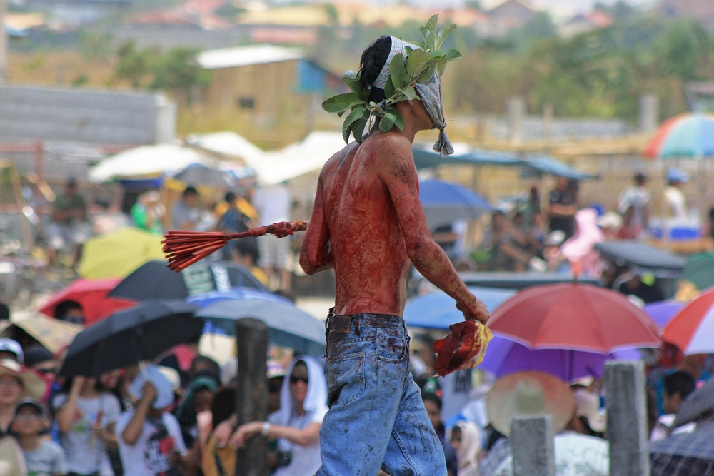 Though officially discouraged by the Catholic Church, many Filipino Catholics see self-flagellation as a way to help cleanse their sins and answer prayers. Photo: Istolethetv
