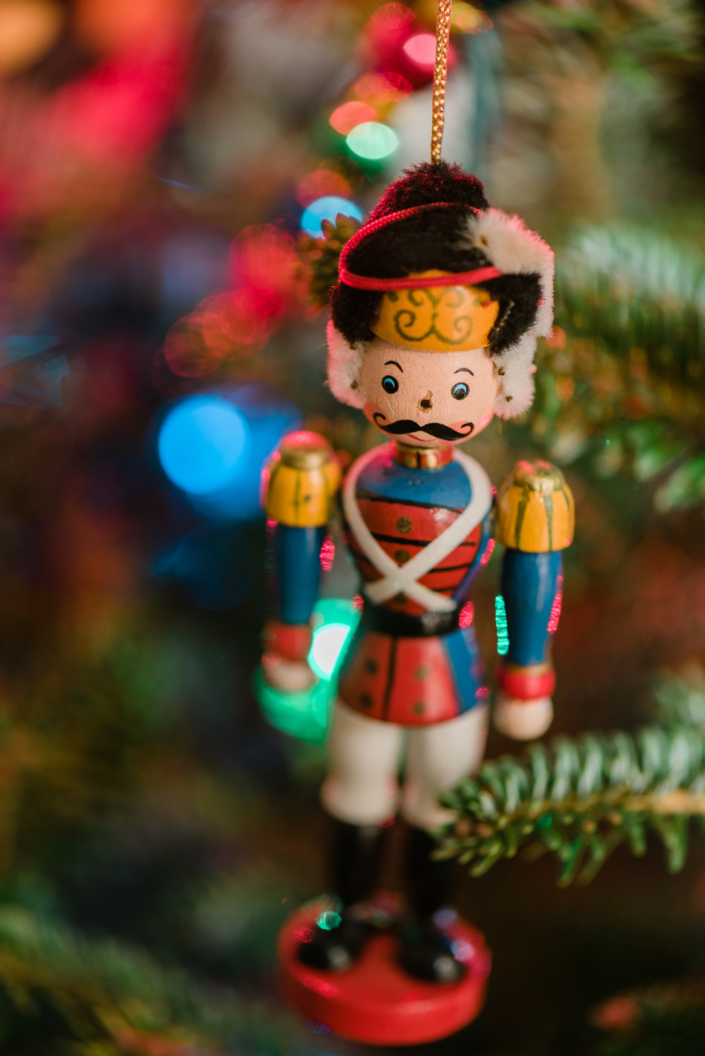 Sentimental-Christmas-Tree-Ornament-Toy-Soldier-Sarah-Danielle-Portraits-Florida-Photographer