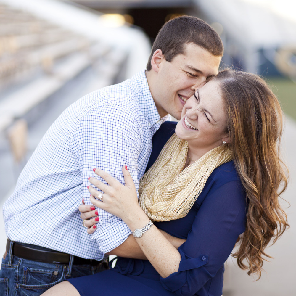 """TIPS TO TAKE THE BEST ENGAGEMENT PHOTOS EVER!"" 