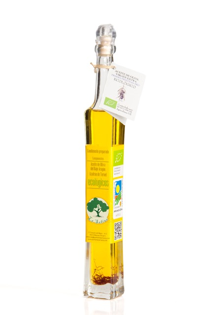 Organic olive oil with saffron