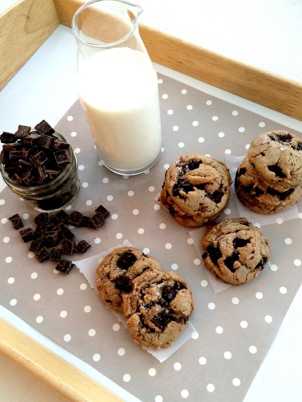 Salted Brown Butter Dark Chocolate Chip Cookies (Sugar & Roses)