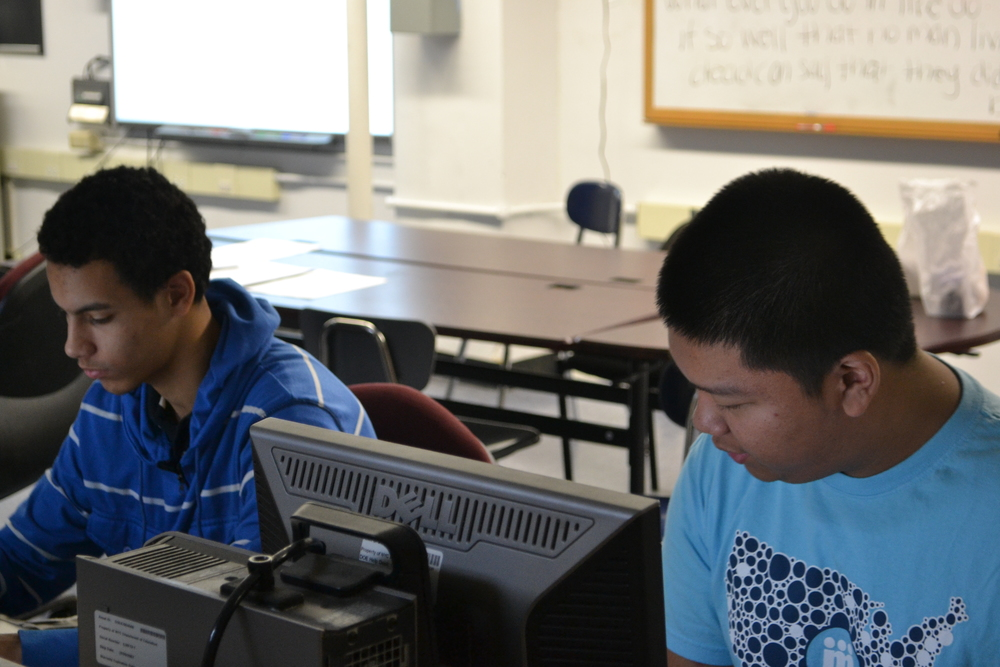 Justin and Isaiah Working in VE Lab.JPG