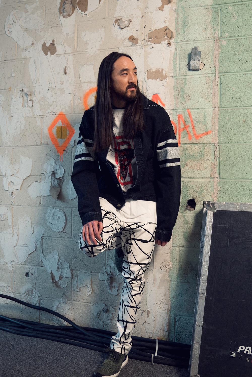 Steve Aoki debuted his collaboration with designer Dim Mak at this year's NYFW, complete with punk bands and models shredding on skateboards in a custom built half pipe. Before all the noise though, I was able to grab him for a quick shot backstage. Shot with my Sony A7RII w/ Sony 24-70 2.8 G Master | ISO 640 | 1/125s | f/2.8