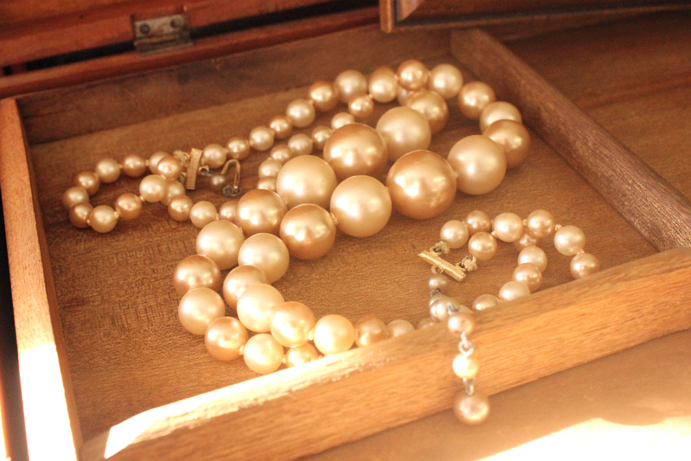 Vintage Pearl Necklace.jpg