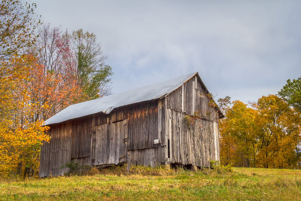 An old Ohio barn in Hocking county