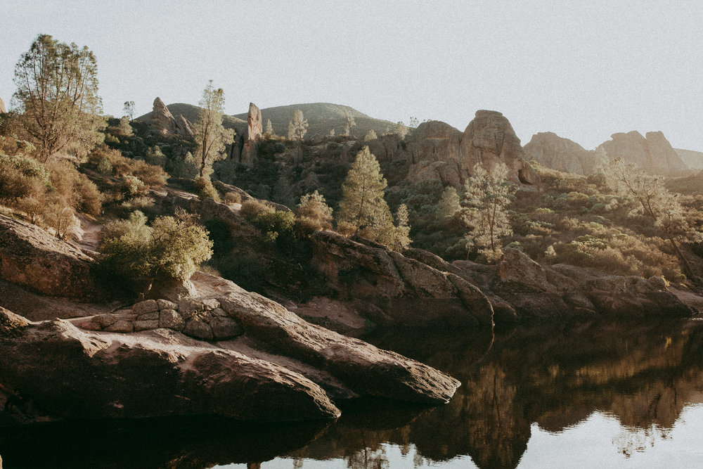 pinnacles lake