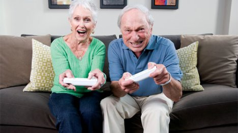 senior-citizens-play-video-games